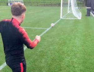 Futbolistas lograron un nuevo DESAFÍO que tiene a todos con las manos en la cabeza (VIDEO)