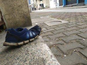 Zapatos rotos: A pesar de las adversidades los venezolanos siguen dispuestos a luchar