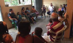 """""""Es el momento de escribir nuestra propia historia"""": Elía Cabello apoya a los docentes"""
