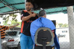 Barberos ambulantes: El oficio que prolifera en las calles de Barquisimeto