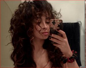 A esta cantante famosa le filtraron sus fotos desnuda frente al espejo (+ OMG)