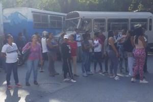 Vecinos de Petare protestan en contra de las Faes #21Oct (fotos)