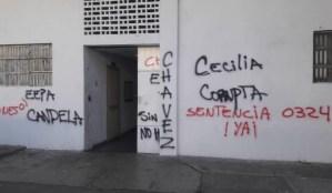 Grupos irregulares atacaron espacios de la Escuela de Derecho de la UCV #21Oct (Fotos)