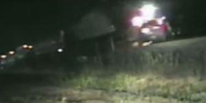 En video: Policía salvó a un conductor de las garras de un tren en EEUU