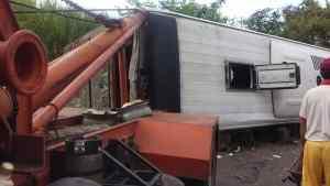 ¡Lamentable! Autobús que iba de Charallave a San Cristóbal se volcó a la altura de Barinas #13Oct (FOTOS)