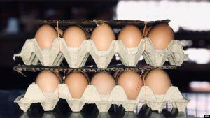 El nuevo salario mínimo en Venezuela solo alcanza para comprar un cartón de huevos