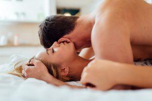 ¡Entérate! Estos son los cinco beneficios de masturbarte junto a tu pareja