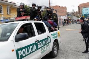 Fuerzas armadas de Bolivia operarán en conjunto con policía contra grupos vandálicos