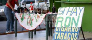 Alerta por muertes atribuidas a consumo de ron artesanal