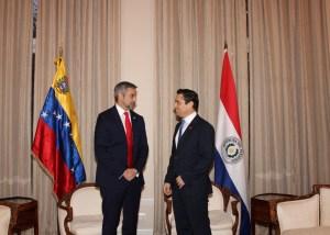 Mario Abdo Benítez, el primer mandatario en visitar la embajada venezolana en EEUU (Fotos)