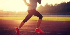 Científicos descubren que el ejercicio hace más feliz a las personas que el dinero