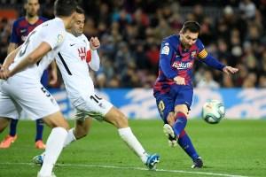 Messi mantiene al Barcelona como líder de la Liga en el debut de Setién