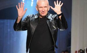El estilo de Jean Paul Gaultier, del estampado marinero a las faldas para hombres