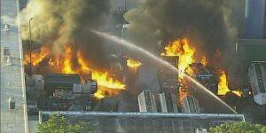 Voraz incendio en refinería de Doral