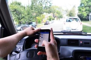FHP y BSO instan a los conductores a no enviar mensajes de texto mientras manejan