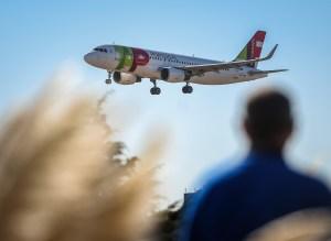 Tap despide 3.600 empleados y retira 17 aviones de su flota
