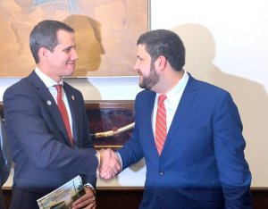 Smolansky se reúne con Guaidó en la OEA para abordar medidas a favor de los desplazados venezolanos