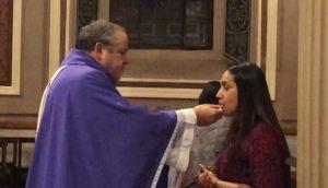 Costa Rica: Iglesia Católica dará comunión en la mano para evitar contagio por coronavirus