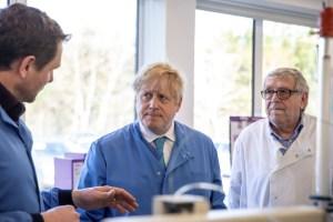 Gobierno británico estima que el coronavirus puede causar al menos 100 mil muertes en Reino Unido
