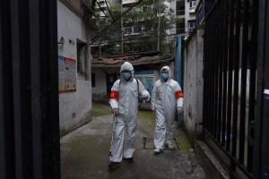 Al menos 70 atrapados tras colapso hotel en China que alojaba a pacientes coronavirus en cuarentena