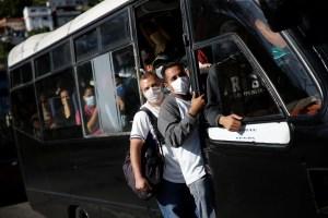 """Con el 75% de las unidades paralizadas, Venezuela atraviesa """"la peor crisis"""" de transporte urbano"""