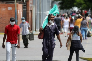 """La pelea con la sombra: El """"nuevo"""" decreto de inamovilidad laboral por el Covid-19"""
