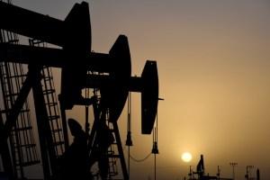 Refinerías de petróleo cierran porque el coronavirus destruye la demanda