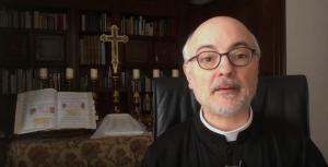 Padre Fortea tras dar positivo por coronavirus: Estoy bien de salud (video)