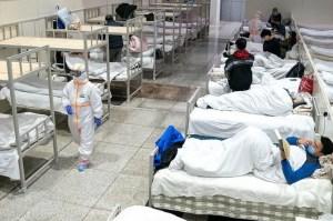 Tras la cuarentena, muchos chinos de Wuhan entierran a sus muertos