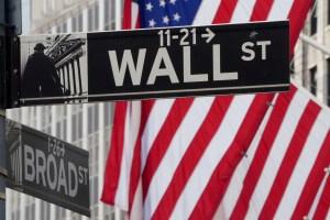 Wall Street cedió terreno antes de cifras de inflación y resultados de empresas