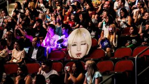 Por qué los fanáticos obsesivos del K-pop se están interesando por el activismo político
