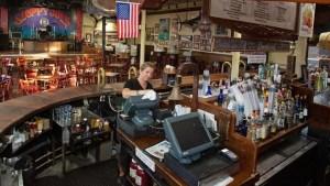 Restaurantes en el sur de Florida piden a los clientes que usen mascarillas