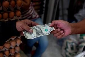 Dólar paralelo no da tregua y superó la barrera de los 400 mil bolívares este #23Sep