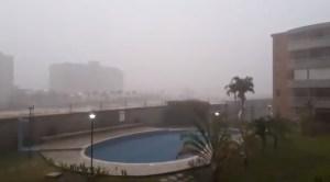 """EN VIDEO: """"Se cae"""" el cielo en Higuerote; el gran aguacero que azota las costas mirandinas #7Jun"""