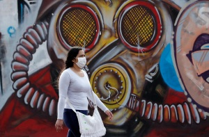 Bogotá levantó casi todas las medidas contra el Covid-19 sin descartar un rebrote