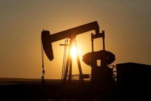 Petróleo sube ligeramente a pesar de cifras decepcionantes de empleo en EEUU