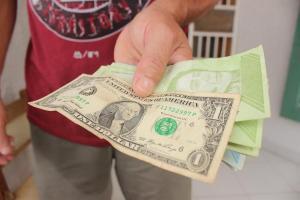 ¿Por qué en Venezuela no hay dólares de baja denominación para dar vuelto?