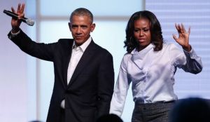 Los Obama darán discursos en momentos clave de la convención demócrata