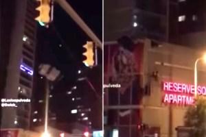 ¡De locos! Se lanzó en paracaídas y se estrelló contra edificio de Cleveland (VIDEO)