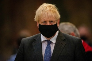 """""""Trabajo desde casa"""": Johnson comienza a confinar de nuevo el Reino Unido"""