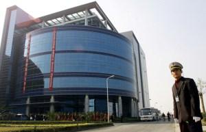 EEUU impone restricciones a las exportaciones a SMIC, el mayor fabricante de chips de China