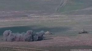 Azerbaiyán y Armenia intensifican choque armado en frontera, hay civiles y militares muertos