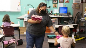Más de 30 escuelas de Nueva York reportaron contagios por Covid-19 en una semana