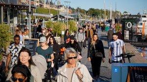 Sin mascarillas, ni aislamiento, cómo hace Suecia para evitar los contagios