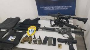EN FOTOS: Mujer pretendía vender un arsenal de armas en Petare pero fue capturada in fraganti