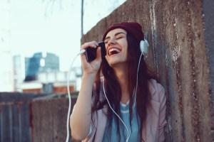 La nueva función de Google te permite buscar una canción tarareando