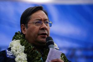 Representantes del Gobierno interino de Bolivia se reúnen con el MAS para activar el traspaso del poder político