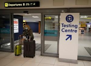 Reino Unido no descarta el cierre de fronteras por la aparición de nuevas cepas del coronavirus