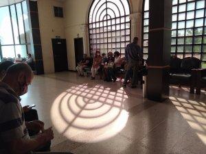 """Funerarias permitirán más de 10 personas en salas y capillas en medio de la """"flexibilización""""de diciembre"""