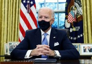 Biden se concentra en lucha contra la pandemia mientras escasea la vacuna